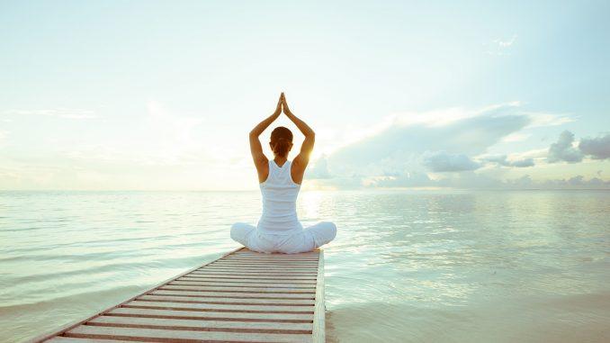 maestro de yoga