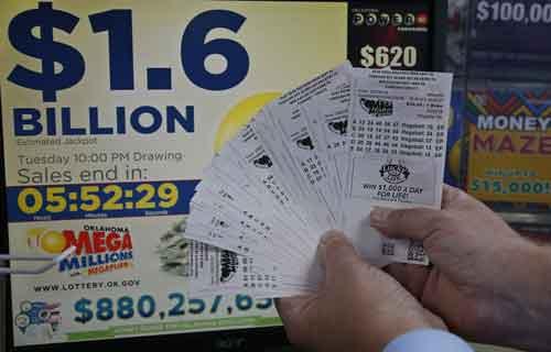 persona feliz por que ha tocado loteria