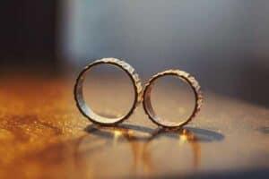 anillo de oro blanco para mujer